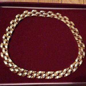 Jewelry - Goldtone choker